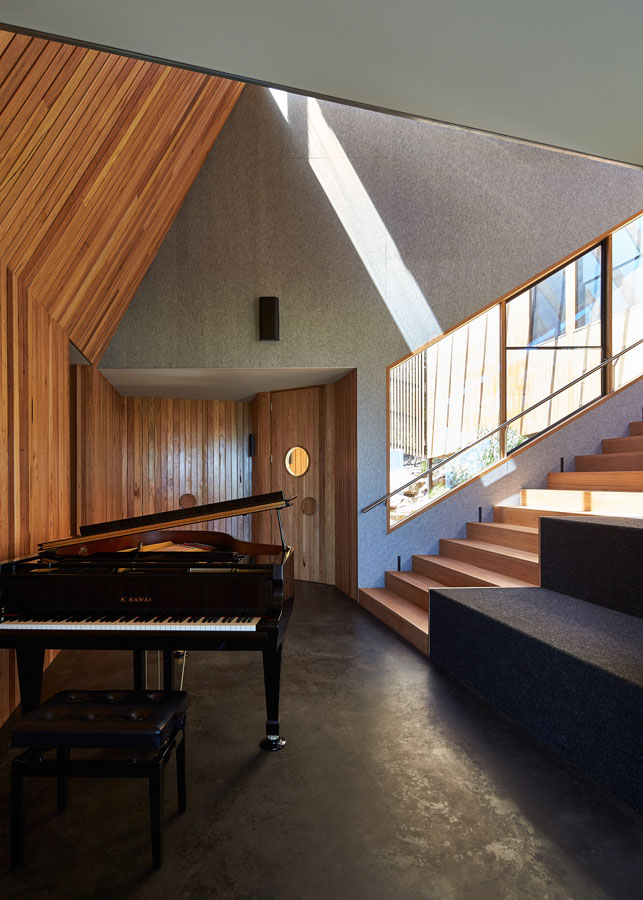 Overend Constructions, Split House, piano stair and door feature, angular design, timber, BKK Architects