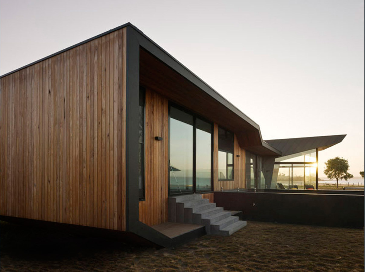 Overend Constructions, Beached House back exterior facade closeup sideview