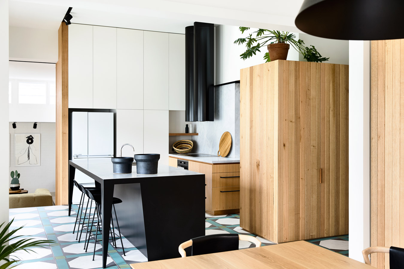 Overend Constructions, Belmont House, kitchen, black steel, timber joinery