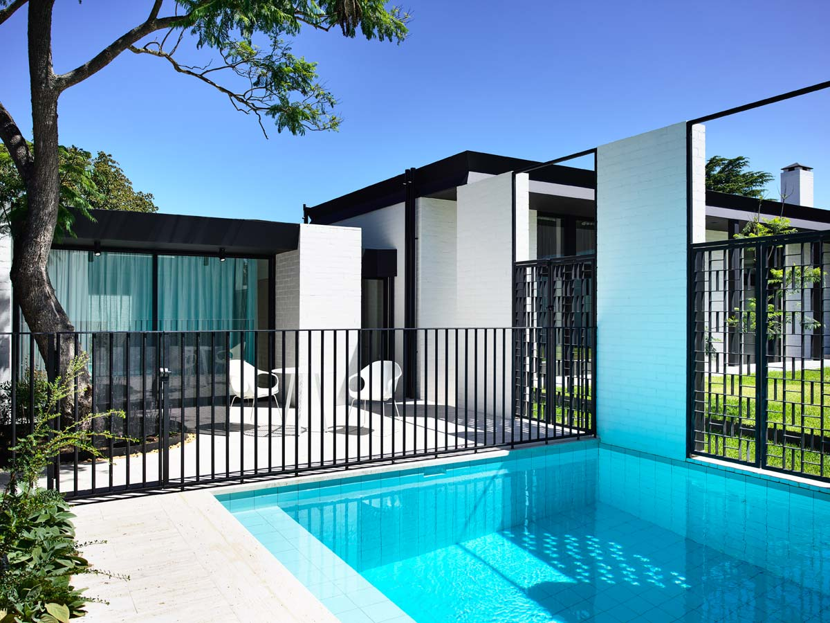 Overend Constructions, Belmont House, back exterior facade, pool