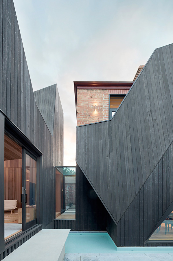 Overend Constructions, Hatherlie, black timber cladding feature, Andrew Simpson Architects