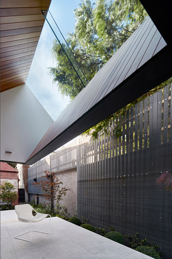 Overend Constructions, Hatherlie, steel mesh curtain, sky-window, Andrew Simpson Architects