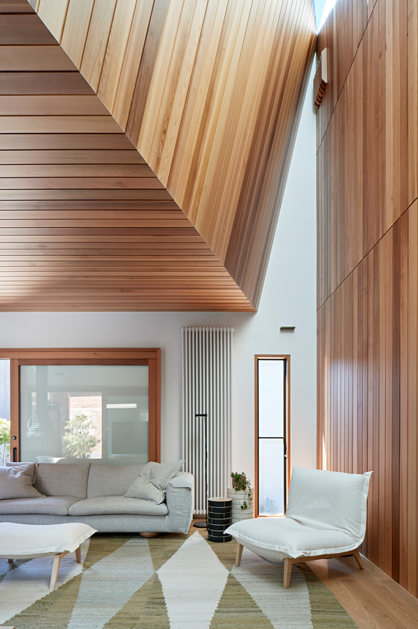Overend Constructions, Hatherlie, lounge, timber cladding feature, ceiling detail, Andrew Simpson Architects