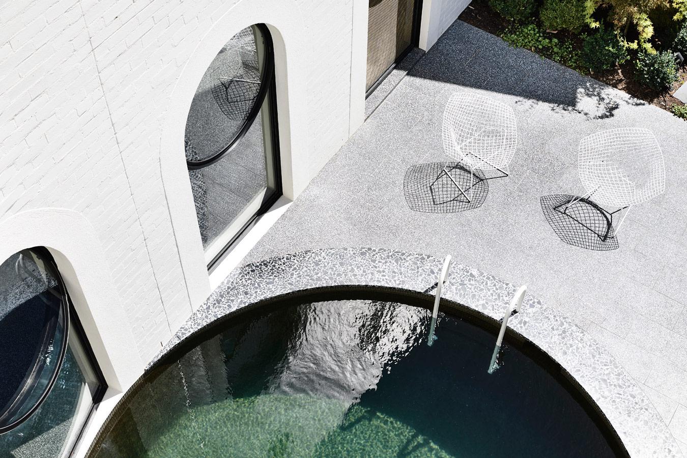 Caroline House, Kennedy Nolan Architects, Overend Constructions, round pool, round windows, architectural, design