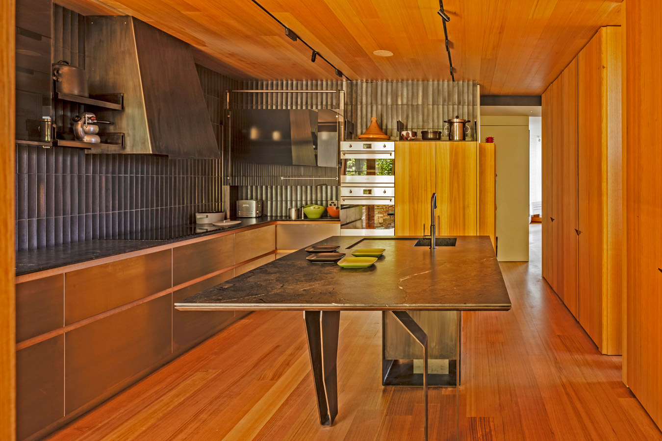 Kew Residence, John Wardle, Overend Constructions, kitchen, bespoke steel island bench, architectural, design, joinery