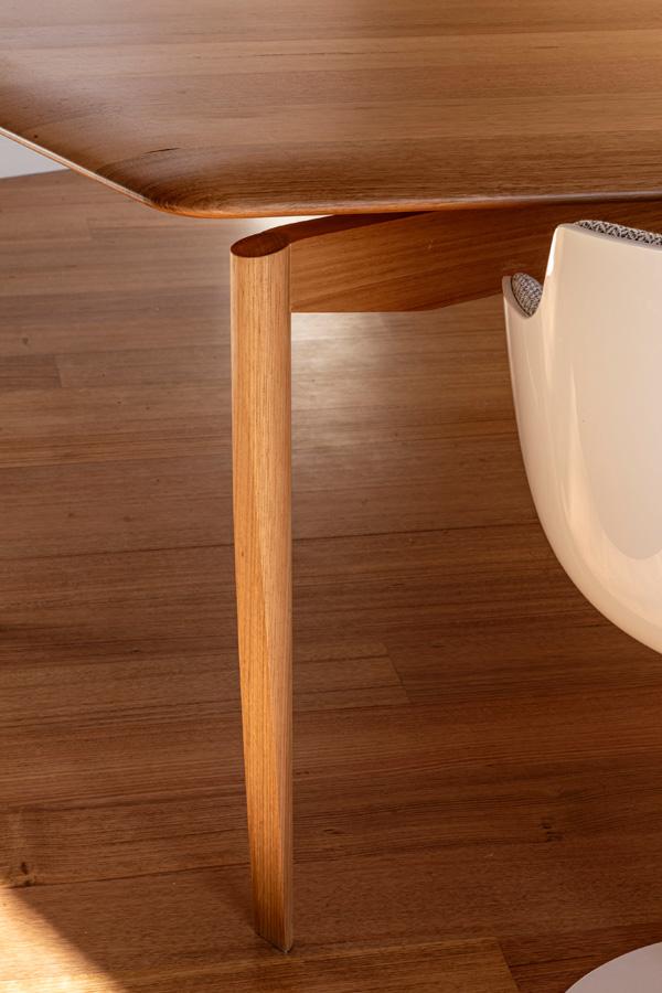 Kew Residence, John Wardle, Overend Constructions, bespoke office desk leg detail, architectural, design, joinery