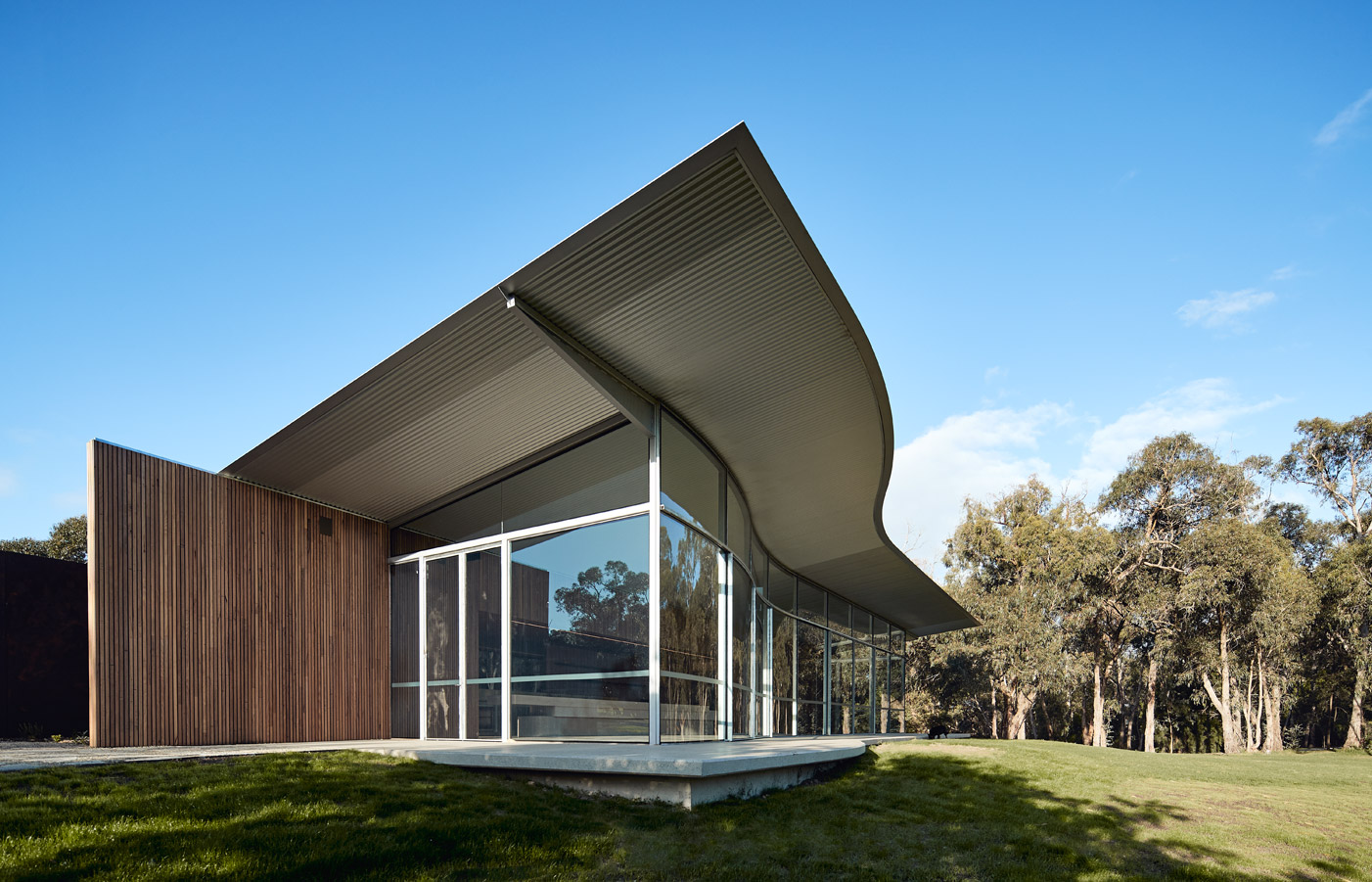Medhurst Winery Cellar Door, wave roof, front corner view, Overend Constructions, Folk Architects, architectural, design
