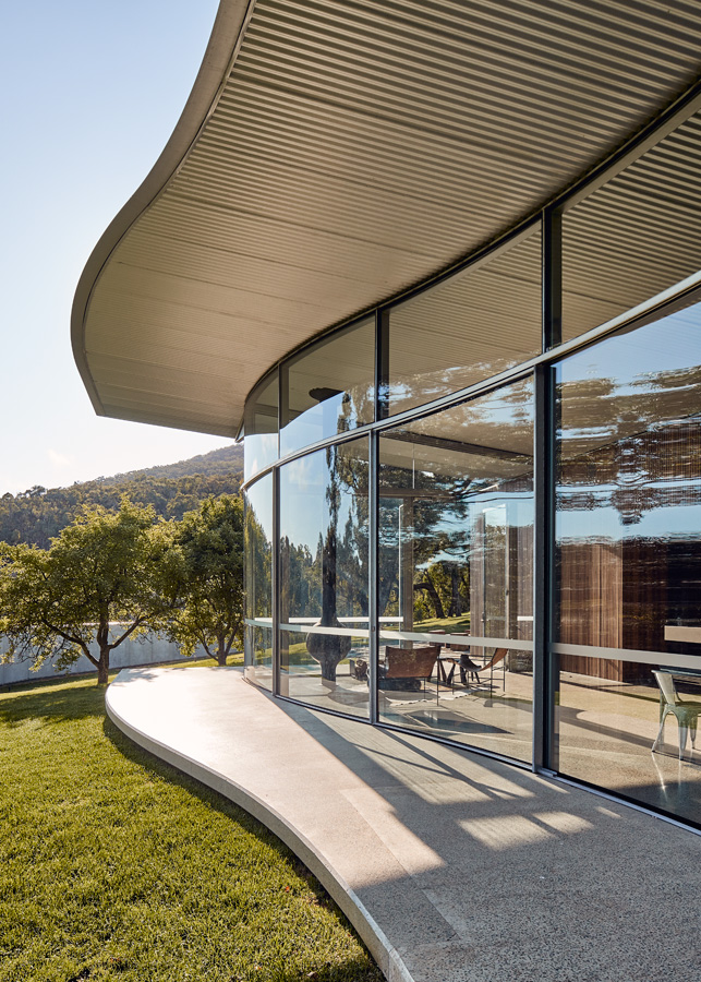 Medhurst Winery Cellar Door, front facade, glass and roof curves, Overend Constructions, Folk Architects, architectural, design