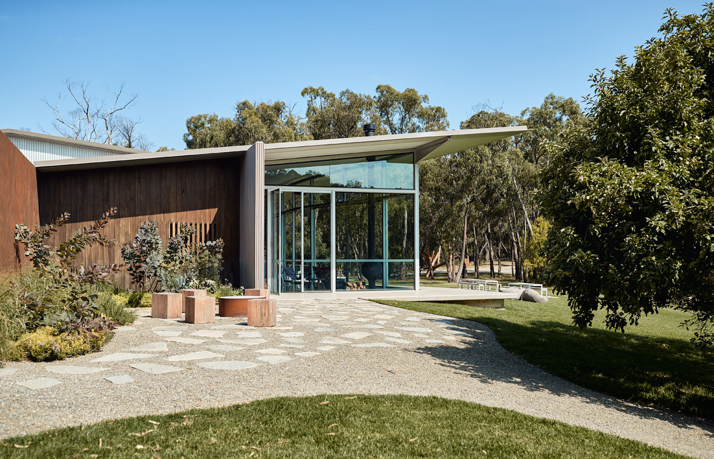 Medhurst Winery Cellar Door, side view with landscaping, Overend Constructions, Folk Architects, architectural, design