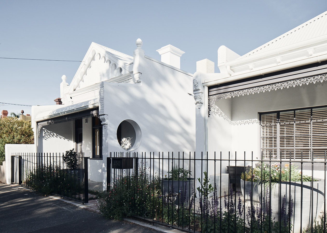 RaeRae, Austin Maynard Architects, Overend Constructions, front facade, modernised heritage, architectural, design, joinery