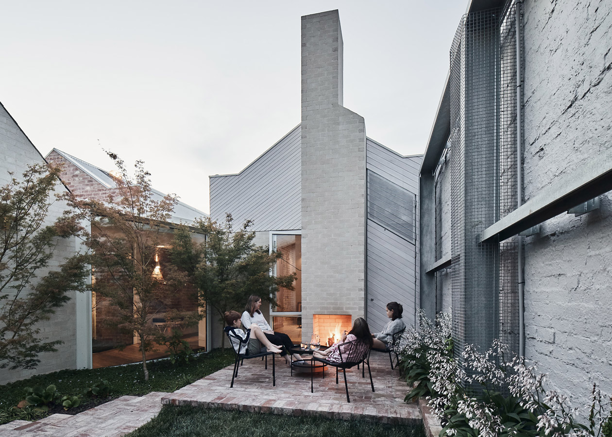 RaeRae, Austin Maynard Architects, Overend Constructions, courtyard fireplace, architectural, design