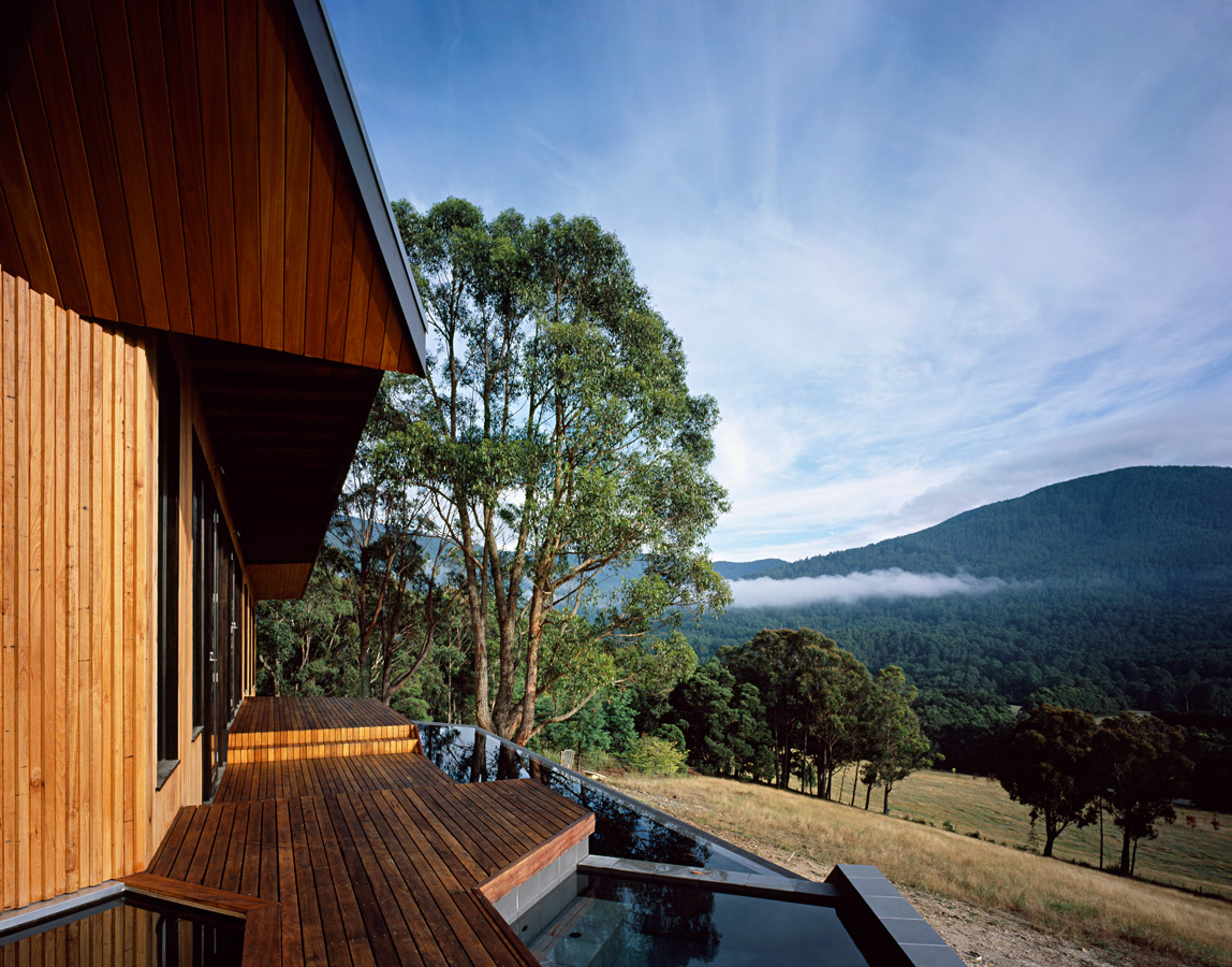 Great Wall House, timber deck and cladding, edge pool, Overend Constructions, BKK, architectural, design, joinery